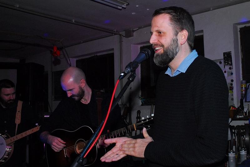 Atelier T8 Cry Mosnter Cry Dirk Lepping mit den beiden im Hintergrund ATE_0717 (1)